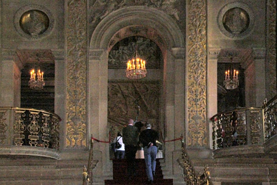 Chatsworth, Painted Hall, another view of the top of the staircase
