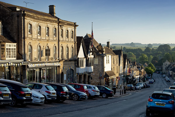 Burford High Street, early morning