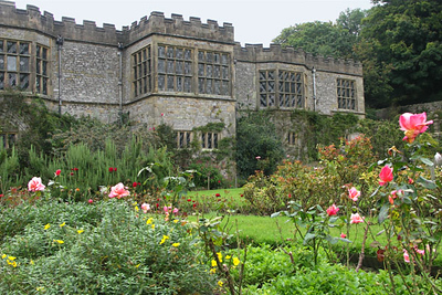 Haddon Hall, view from garden. I particularly loved this view, with the roses in the foreground, so I took a dozen pictures of it - all at a slightly different angle.