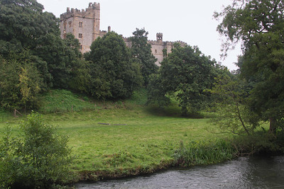 Approaching Haddon Hall, a fortified medieval manor house dating from the 12th century. Movies filmed here:  Pride & Prejudice (2005), Jane Eyre (2006), Elizabeth (1999), The Other Boleyn Girl (2007), and tv productions of Moll Flanders and The Prince & the Pauper.