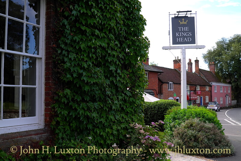 King's Head - an historic coaching inn near Winchester. August 2011