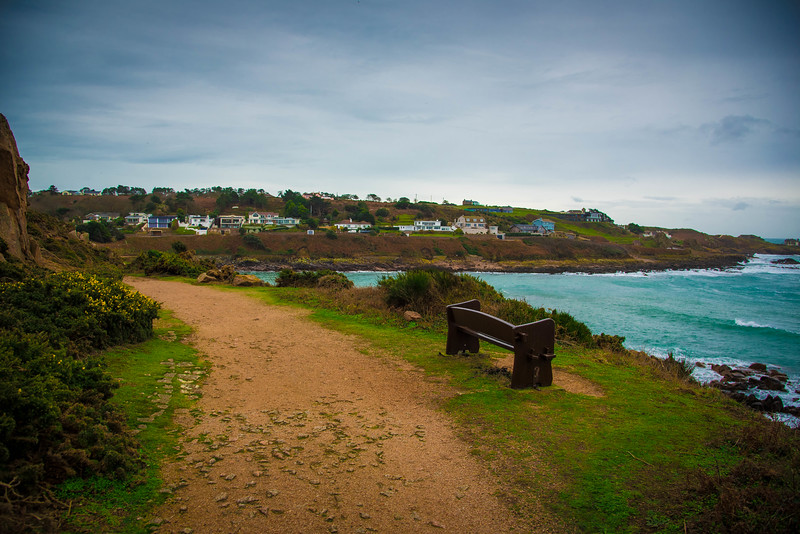 walking jersey coastal path