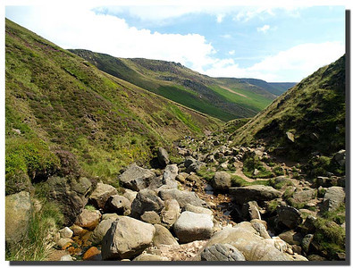 813_J7263376-UK : Looking down from the top of Grinds Brook, Edale, Derbyshire.
