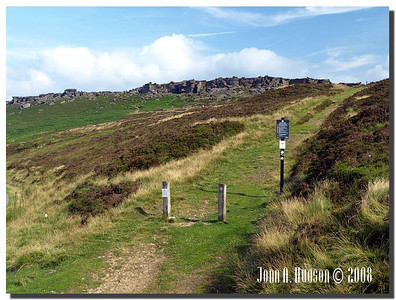 793_J7263362-UK : Stanage Edge in July.
