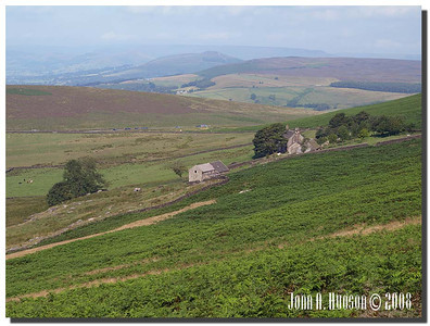 792_J7263361-UK : Overstones Farm below Stanage Edge.
