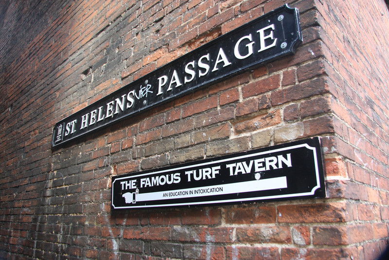 "Turf Tavern, entrance on left pass the bridge of Sighs<br /> Where Clinton did not inhale   <a href=""http://www.theturftavern.co.uk/"">http://www.theturftavern.co.uk/</a>"