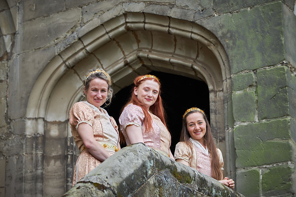 Wenches at warwick Castle