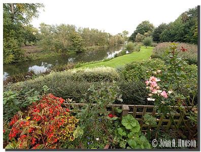 2394_J9181406-England : River Avon, Bradford-on-Avon, Wiltshire