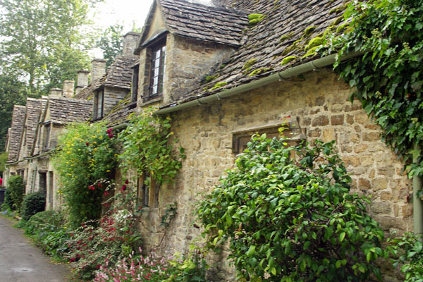 Here the Cotswold limestone is even more honey-colored.