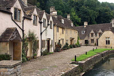Another row of cottages. The original Dr. Doolittle and the more recent film Stardust were filmed here.