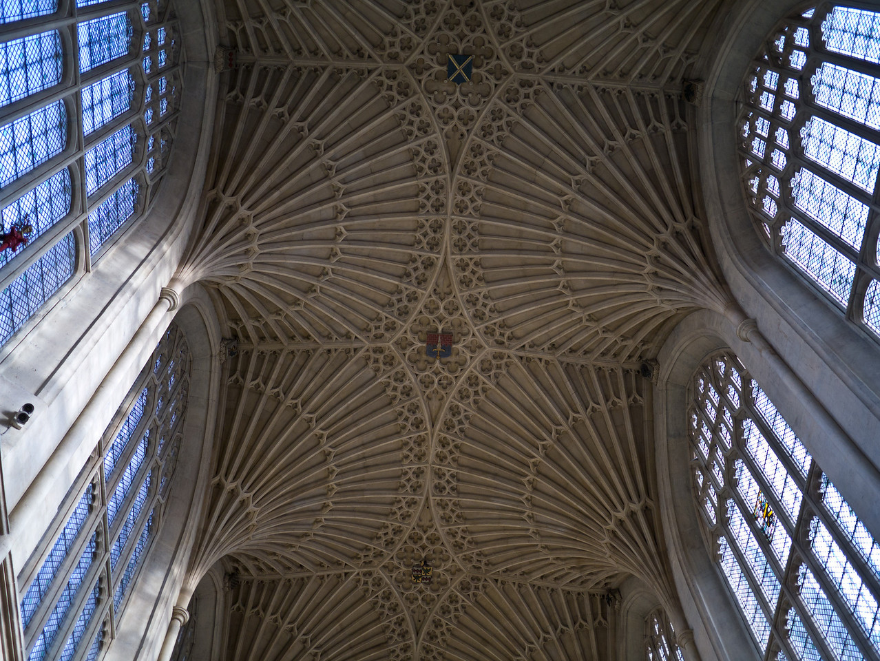 Looking at the roof of the Abbey