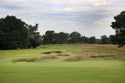 WaltonHeath_Old10Approach_2307