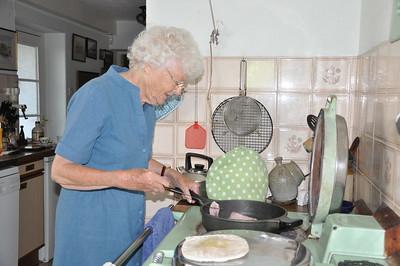 Mumsie cooking