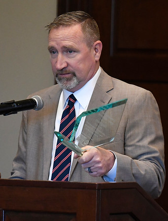 Todd Earl says a few words after being presented the 2019 Dick Lambertz Memorial Award during the United Way 2018 Annual Report luncheon Thursday April 18, 2019 at the Oakwood Country Club. (Billy Hefton / Enid News & Eagle)