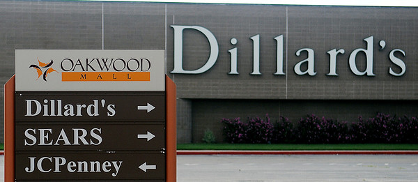 New owners of Oakwood Mall plan to demall the property. Dillard's, SEARS and JCPenney businesses will be three of the businesses that will remain. (Staff Photo by BONNIE VCULEK)