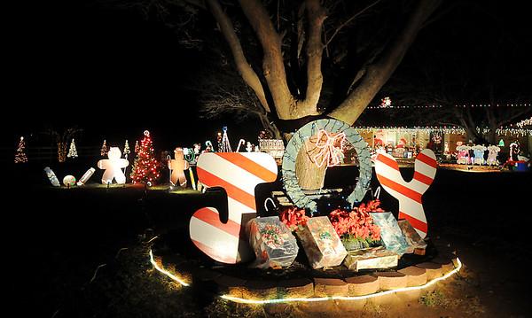 Felber Christmas Light Display (Staff Photo by BONNIE VCULEK)
