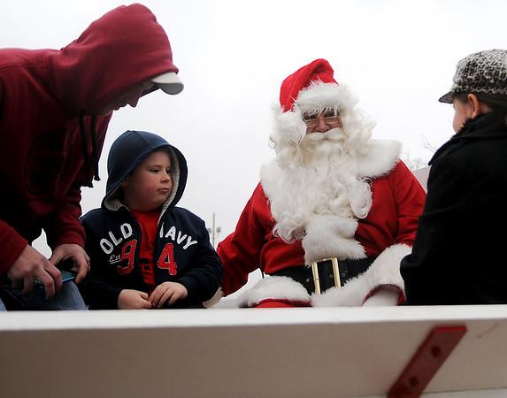 Wagon Rides with Santa (Staff Photo by BONNIE VCULEK)