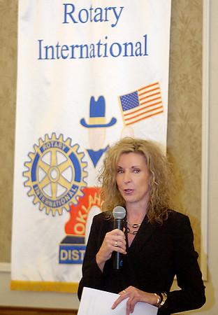 United Way of Enid and Northwest Oklahoma executive director, Pamela Ballard, addresses the Enid Rotary Club Monday.(Staff Photo by BILLY HEFTON)