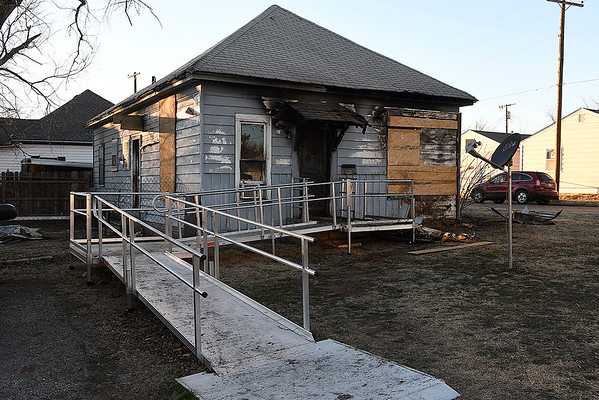 House at 568 N. 7th that burned Wednesday February 15, 2016. (Billy Hefton / Enid News & Eagle)