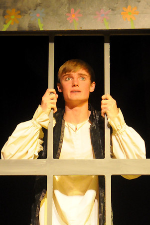 Ian Johnson portrays Robin Hood during the Gaslight Theatre's production Friday-Saturday at 8 p.m. and Sunday at 2 p.m. The performances are under the direction of Lesa Bradford and assisted by Terri Galer and Carrie Buckles.(Staff Photo by BONNIE VCULEK)