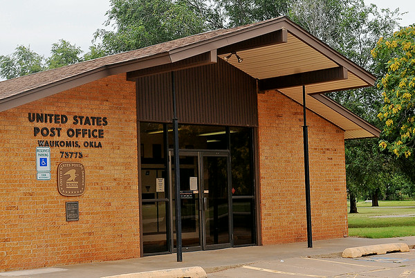 The United States Post Office in Waukomis, Okla. will host a meeting regarding the possible upcoming changes in service. (Staff Photo by BONNIE VCULEK)