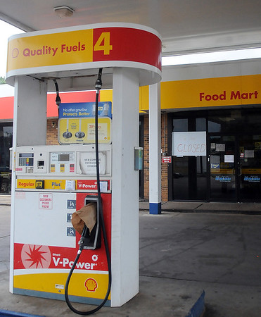 The Shell Food Mart, on the corner of Van Buren and Garriott has closed. A new CVS will open at the location. (Staff Photo by BONNIE VCULEK)