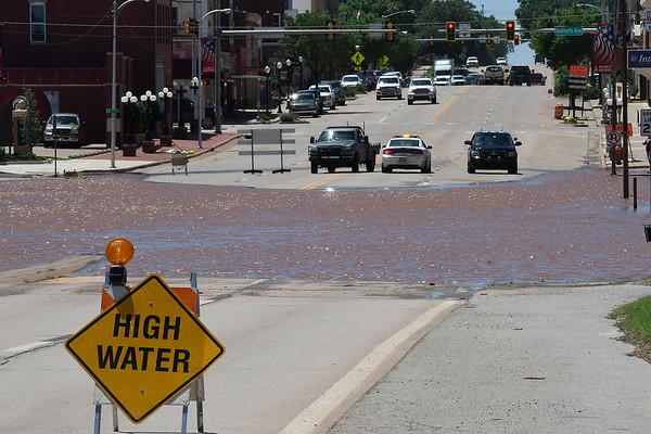 Law enforcement blocks U.S. 81 in downtown Kingfisher Tuesday May 21, 2019. (Billy Hefton / Enid News & Eagle)