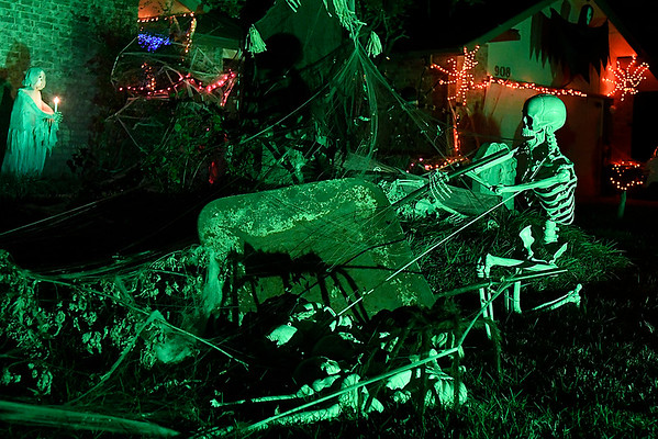 Halloween decorations at 908 Quail Creek Drive Wednesday October 18, 2017. (Billy Hefton / Enid News & Eagle)