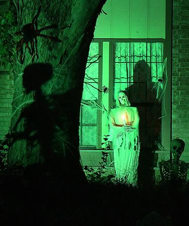 Halloween decorations on Quail Creek Drive. (Billy Hefton / Enid News & Eagle)