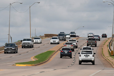 Traffic travels over the North Van Buren overpass Thursday September 6, 2018. The overpass will be narrowed to one lane in each direction beginning September 11. Construction is estimated to take 15 months. (Billy Hefton / Enid News & Eagle)