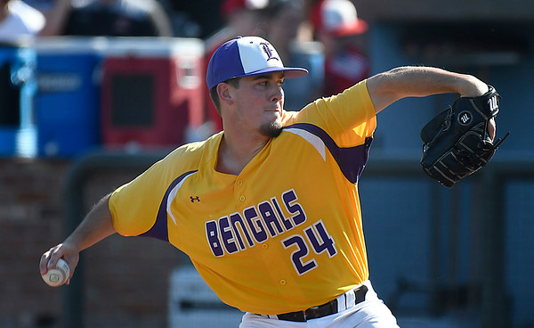 LSU Eunice starting pitcher, Andrew Sheridan, delivers a pitch against NOC Enid Monday May 28, 2018 during the NJCAA DII World Series at David Allen Memorial Ballpark. (Billy Hefton / Enid News & Eagle)