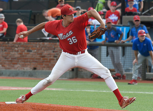 Mesa's Carter Robinson delivers a pitch against Lincoln Land Sunday May 26, 2019 during the NJCAA DII World Series. Robinson threw a complete game shutout in the Thunderbird's 2-0 win. (Billy Hefton / Enid News & Eagle)