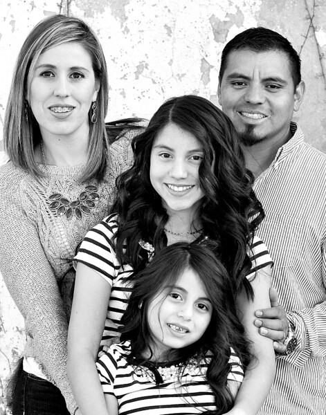 11x14 family wall 894 bw
