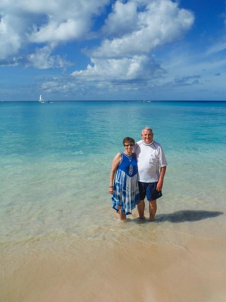 2015-01 Barbados Trip_0400 Ron & Anita on the Beach