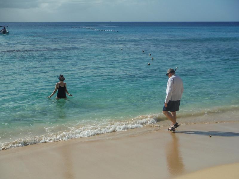 2015-01 Barbados Trip_0125 Lindsey & Ron Snokeling