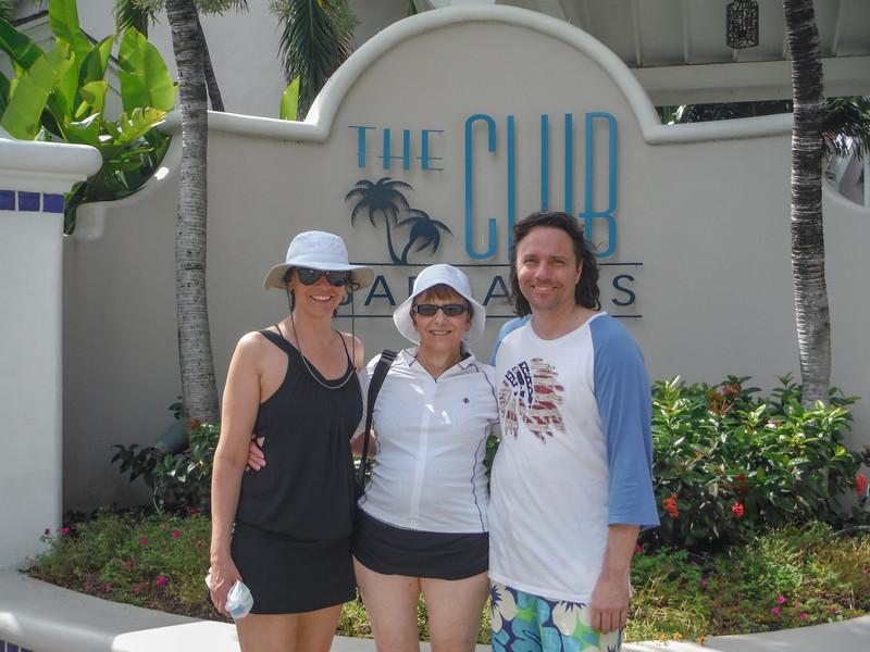 2015-01 Barbados Trip_0100 Lindsey, Anita & Daniel in Front of our Hotel - The Club Barbados