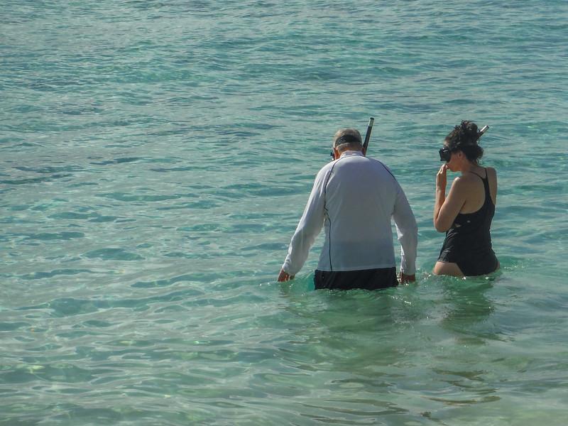 2015-01 Barbados Trip_0130 Lindsey & Ron Snokeling