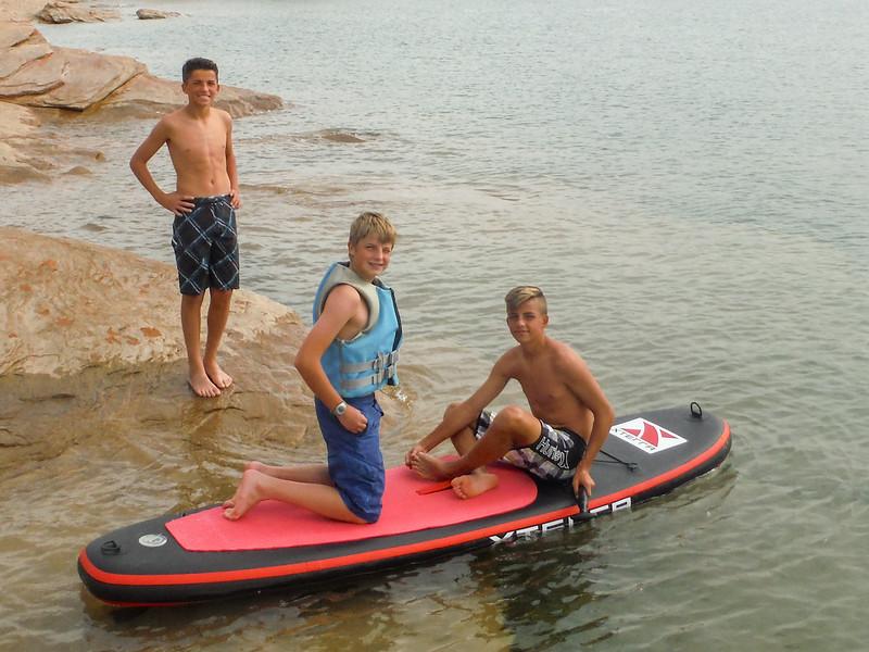 2015-10-16 Enloe Family at the Lake_0001 - Hayden, Malik & Jackson