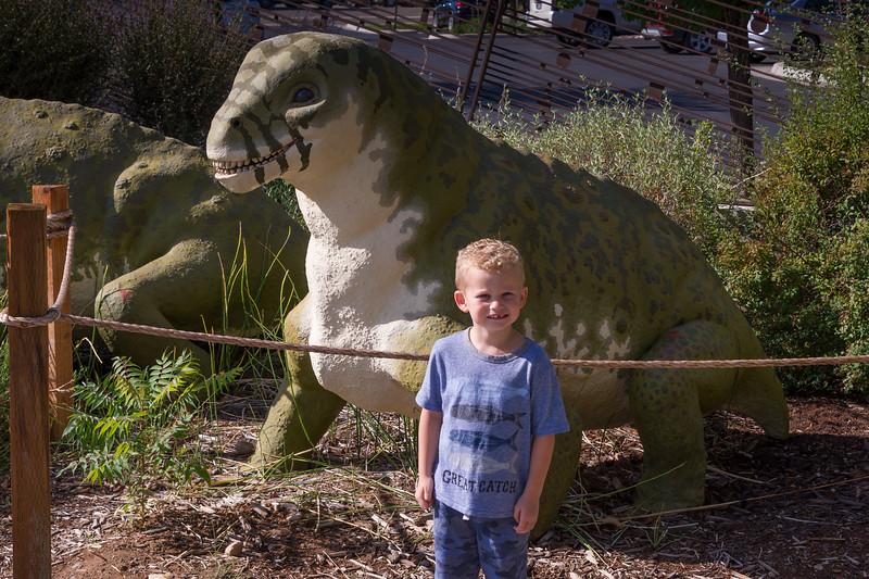 2016-08-27 Walker & Maggie at the Vernal Dinosaur Museum_0084