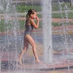 2016-09-09 Ayla & Maggie at the Splash Park_0062