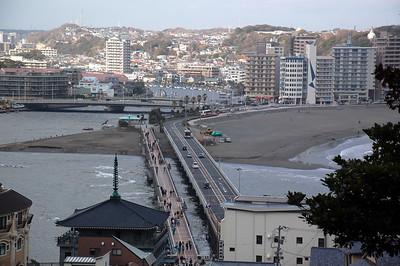 The bridge connecting Enoshima to Katese