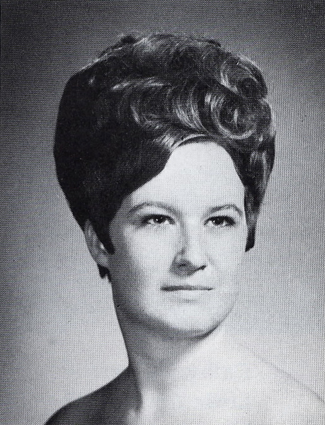 Elizabeth Cash