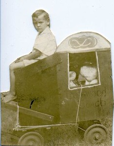 Home-made Circus Wagon (00071)