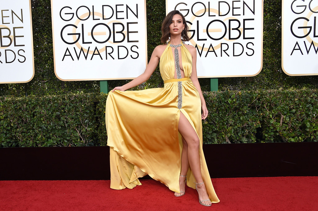 . Emily Ratajkowski arrives at the 74th annual Golden Globe Awards at the Beverly Hilton Hotel on Sunday, Jan. 8, 2017, in Beverly Hills, Calif. (Photo by Jordan Strauss/Invision/AP)