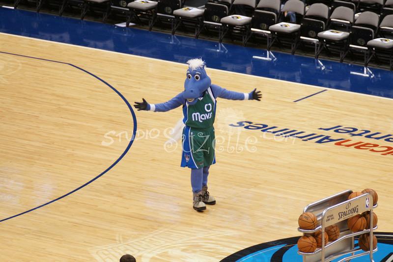 (1000) Dallas MAVS vs. MN Timberwolves 04-13-2009