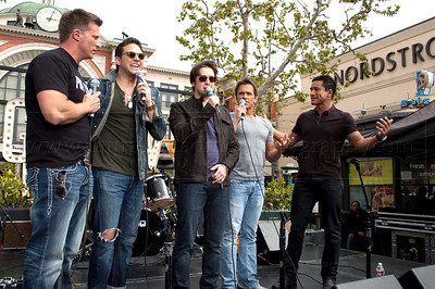 PortChuck_040711_1068w  The Port Chuck Band performs live at The Grove outdoor mall as part of EXTRA! television show. ABC TV's daytime soap General Hospital actors l-r: Steve Burton, Brandon Barash, Bradford Anderson and Scott Reeves perform as the band Port Chuck named after the fictional city Port Charles in which the show General Hospital is based.  The band is interviewed by EXTRA! Television show host Mario Lopez (photo credit mandatory: ©Laurie Paladino2011)  Photo ©Laurie Paladino 2011 All rights reserved. No usage of any kind including fan websites without express written permission from and compensation to www.lauriepaladinophotography.com