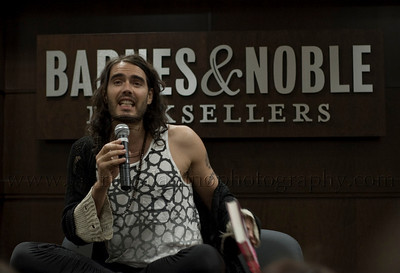 RB_lp_05012009_1018 British comic, actor and author Russell Brand appears at Barnes and Noble at The Grove in Los Angeles CA to read from and sign his UK best-seller, My Booky Wook 05/12/2009 Photo ©Laurie Paladino 2009