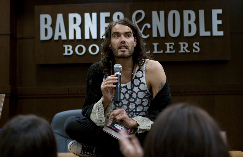 RB_lp_05012009_1010<br /> British comic, actor and author Russell Brand appears at Barnes and Noble at The Grove in Los Angeles CA to read from and sign his UK best-seller, My Booky Wook 05/12/2009<br /> Russell Brand photo ©Laurie Paladino 2009
