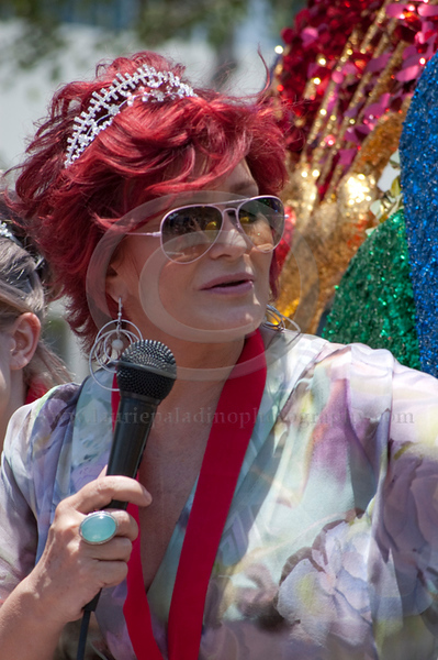Sharon and Kelly Osbourne/Los Angeles Pride Parade 06/13/2010. Photographs by Laurie Paladino