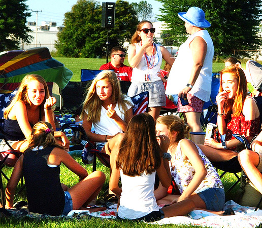 Diane Raver | The Herald-Tribune<br /> Teenagers enjoyed spending time with their friends.